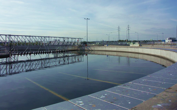 [Translate to espanol:] Application example waste water treatment plant